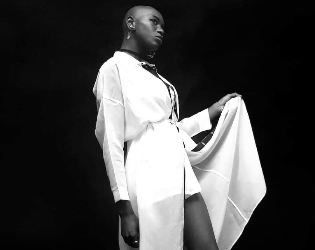 emmy liyana noir et blanc