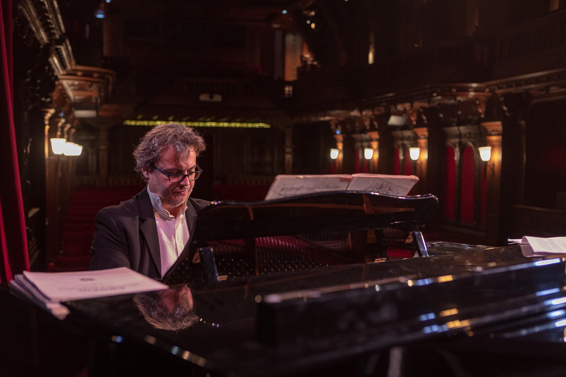 Gilles Nicolas live piano